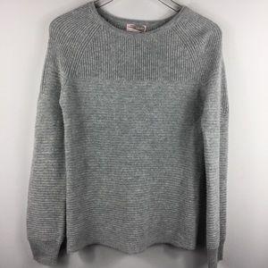 Forever 21 knit grey long sleeve sweater. Medium.